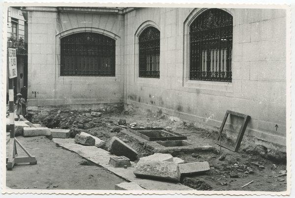 MMH-504-Obras de urbanización en la calle de las Cadenas_1961 - Fot Flores