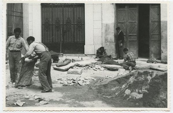 MMH-506-Obras de urbanización en la calle Nueva_1961 - Fot Flores
