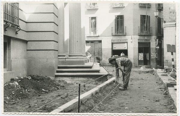 MMH-508-Obras de urbanización en la calle Nueva_1961 - Fot Flores