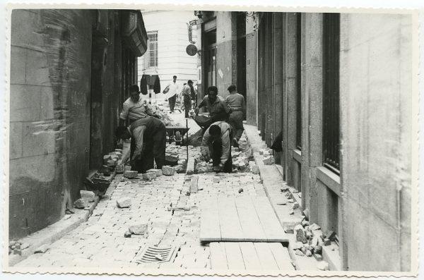 MMH-512-Obras de urbanización en la calle Nueva_1961 - Fot Flores