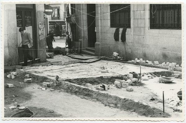 MMH-514-Obras de urbanización en la calle Nueva_1961 - Fot Flores