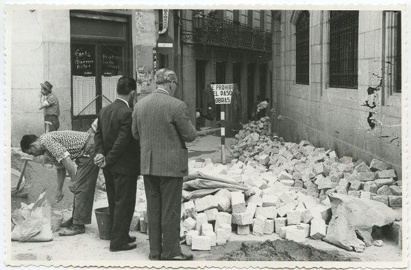 MMH-515-Obras de urbanización en la calle Nueva_1961 - Fot Flores