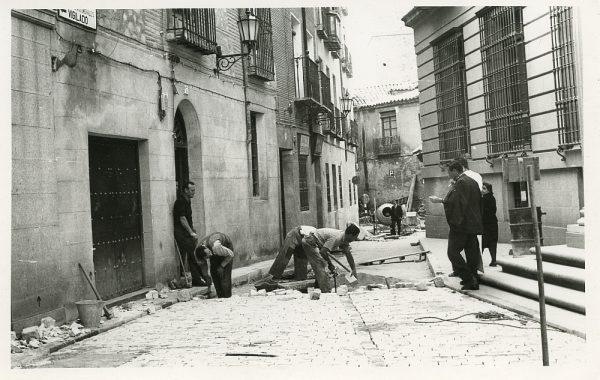 MMH-517-Obras de urbanización en la calle Nueva_1961 - Fot Flores