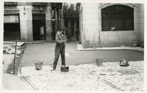 MMH-518-Obras de urbanización en la calle Nueva_1961 - Fot Flores