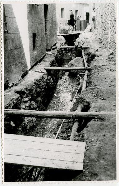 MMH-534-Obras de urbanización en el callejón de Menores_1961 - Fot Flores