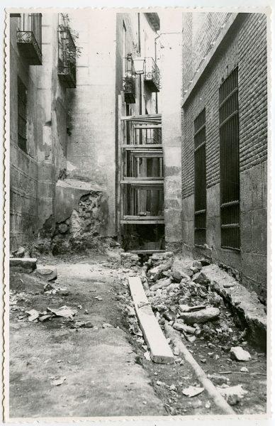 MMH-536-Obras de urbanización en el callejón de Menores_1961 - Fot Flores