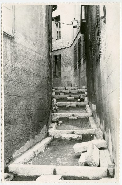 MMH-537-Obras de urbanización en el callejón de Menores_1961 - Fot Flores