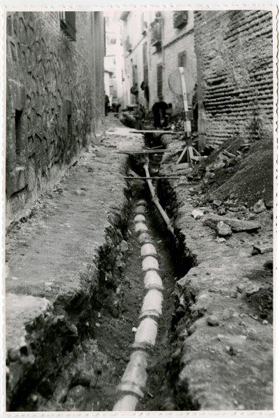 MMH-539-Obras de urbanización en la calle de Aljibes_1962 - Fot Flores