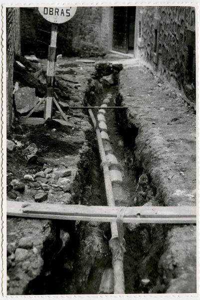 MMH-544-Obras de urbanización en la calle de Aljibes_1962 - Fot Flores