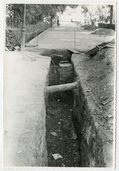 MMH-554-Obras de urbanización en el paseo de Merchán_ ca 1963 - Fot Flores