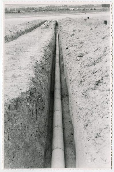 MMH-562-Obras de abastecimiento de agua en paraje desconocido_ca 1963 - Fot Flores