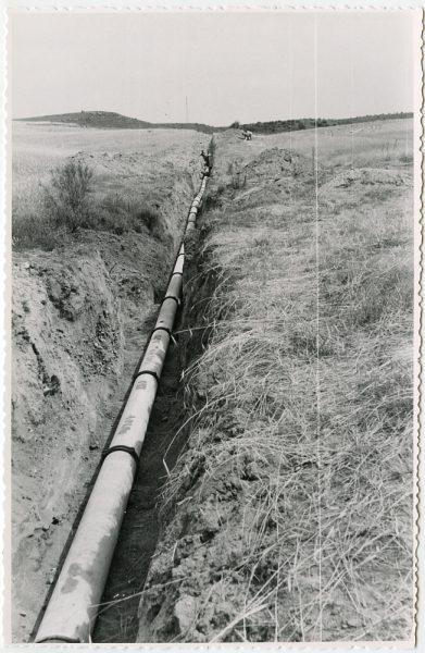 MMH-565-Obras de abastecimiento de agua en paraje desconocido_ca 1963 - Fot Flores