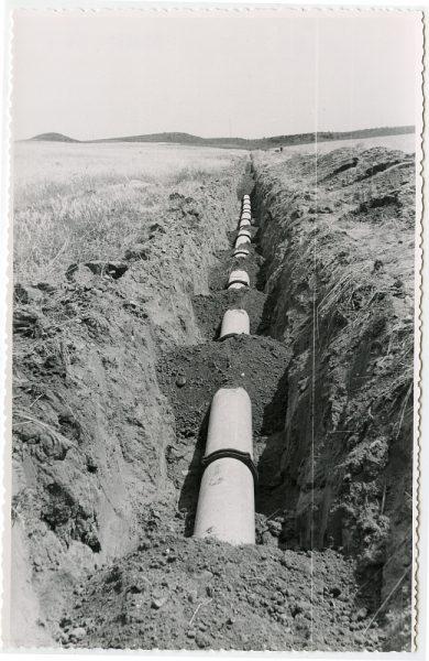 MMH-567-Obras de abastecimiento de agua en paraje desconocido_ca 1963 - Fot Flores