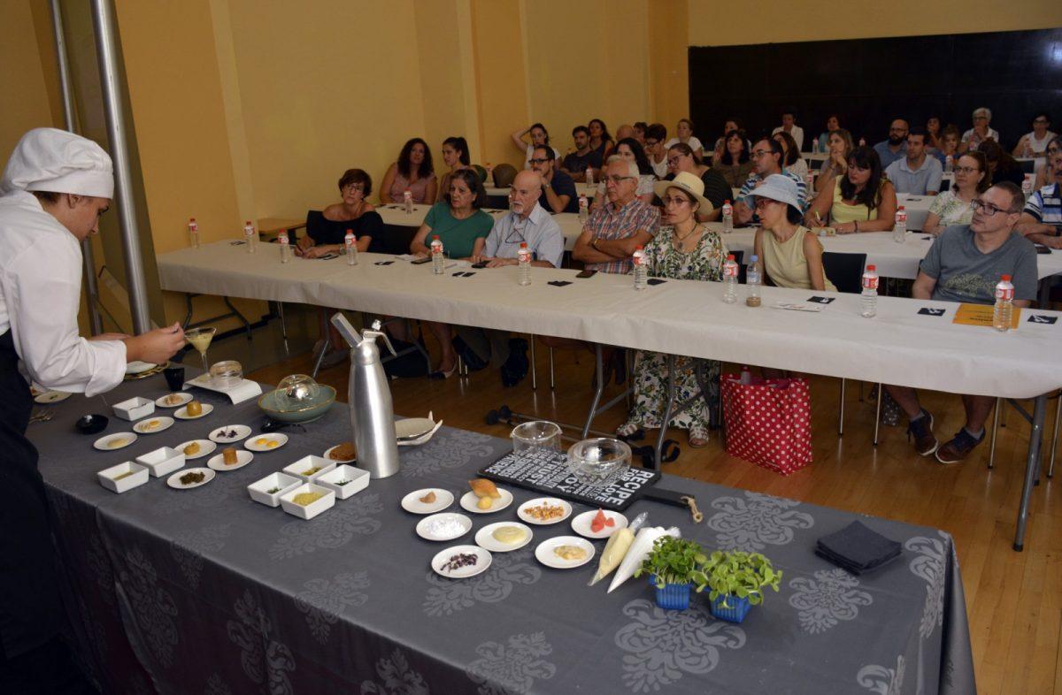 https://www.toledo.es/wp-content/uploads/2018/09/taller_sefardi01-1200x786.jpg. Arrancan las clases magistrales sobre gastronomía judía de la Semana Sefardí en colaboración con las escuelas de hostelería