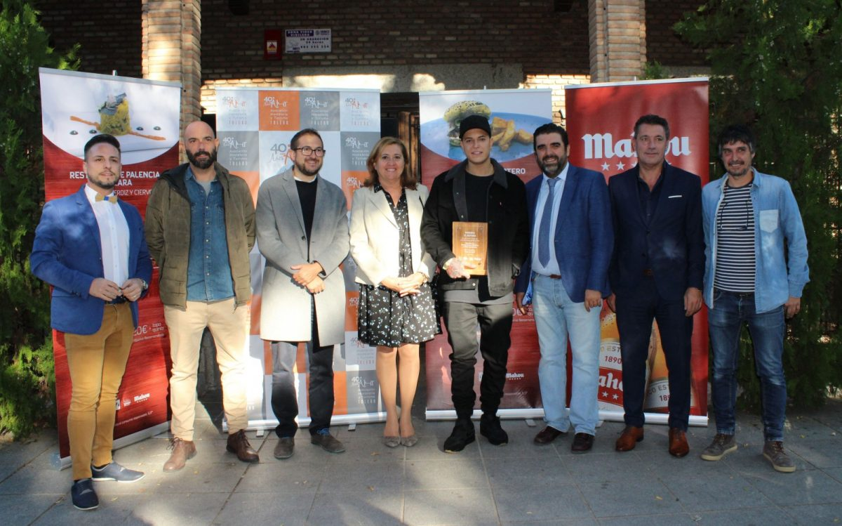 https://www.toledo.es/wp-content/uploads/2018/10/01-ganadores-jornada-tapa-1200x749.jpg. El Ayuntamiento respalda la entrega de premios de la II Ruta Mahou 'Toledo es para comérselo'
