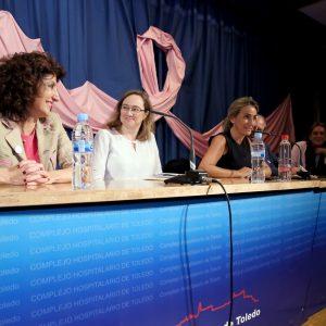 """La alcaldesa destaca las historias de superación tras el cáncer de mama porque """"ofrecen luz a los que ven sólo sombras"""""""