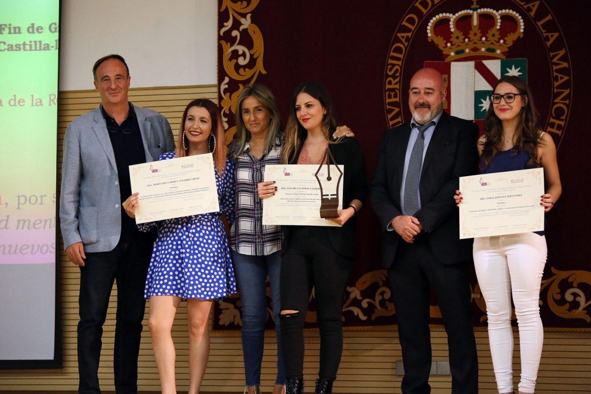 https://www.toledo.es/wp-content/uploads/2018/10/04_premios_educacion_social-1200x800.jpg. La alcaldesa participa en los actos del Día de la Educación Social reivindicando el papel de sus profesionales en la sociedad actual