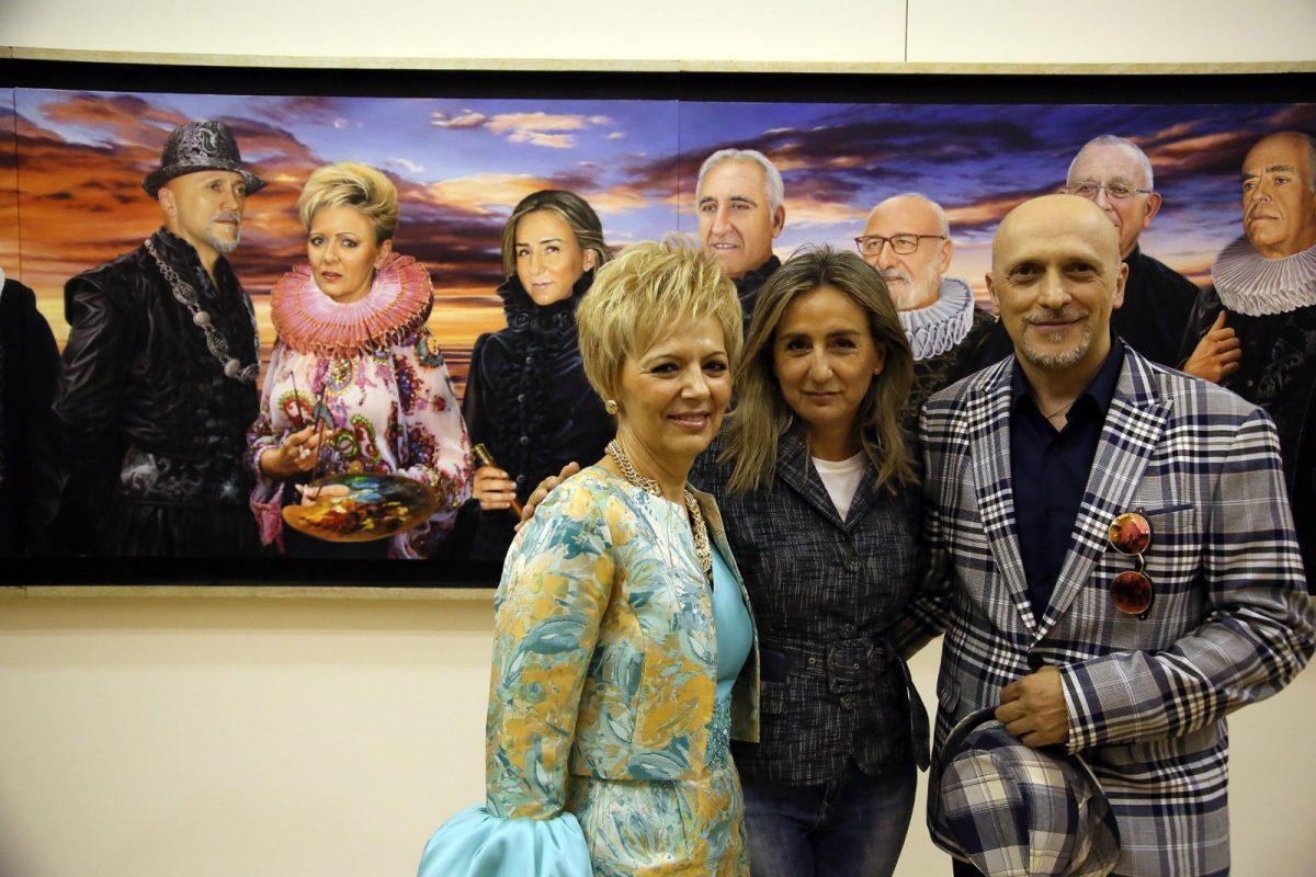 """https://www.toledo.es/wp-content/uploads/2018/10/05_expo_dalila-1200x800.jpg. La alcaldesa destaca """"el amor por Toledo"""" como seña de identidad de la muestra Taller de Arte Dalilla & Galván que acoge San Marcos"""