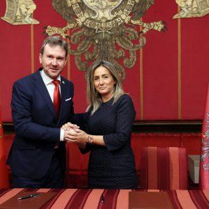 """La alcaldesa suscribe el Protocolo Cultural con Burgos y confía en """"que vaya más allá, para que nos depare abundantes frutos"""""""