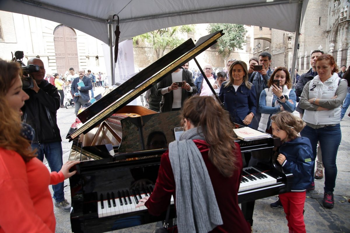 http://www.toledo.es/wp-content/uploads/2018/10/05_pianos_en_la_calle.-1200x800.jpg. Milagros Tolón destaca la buena acogida de 'Pianos en la calle' que volverá al Casco Histórico de Toledo el año que viene