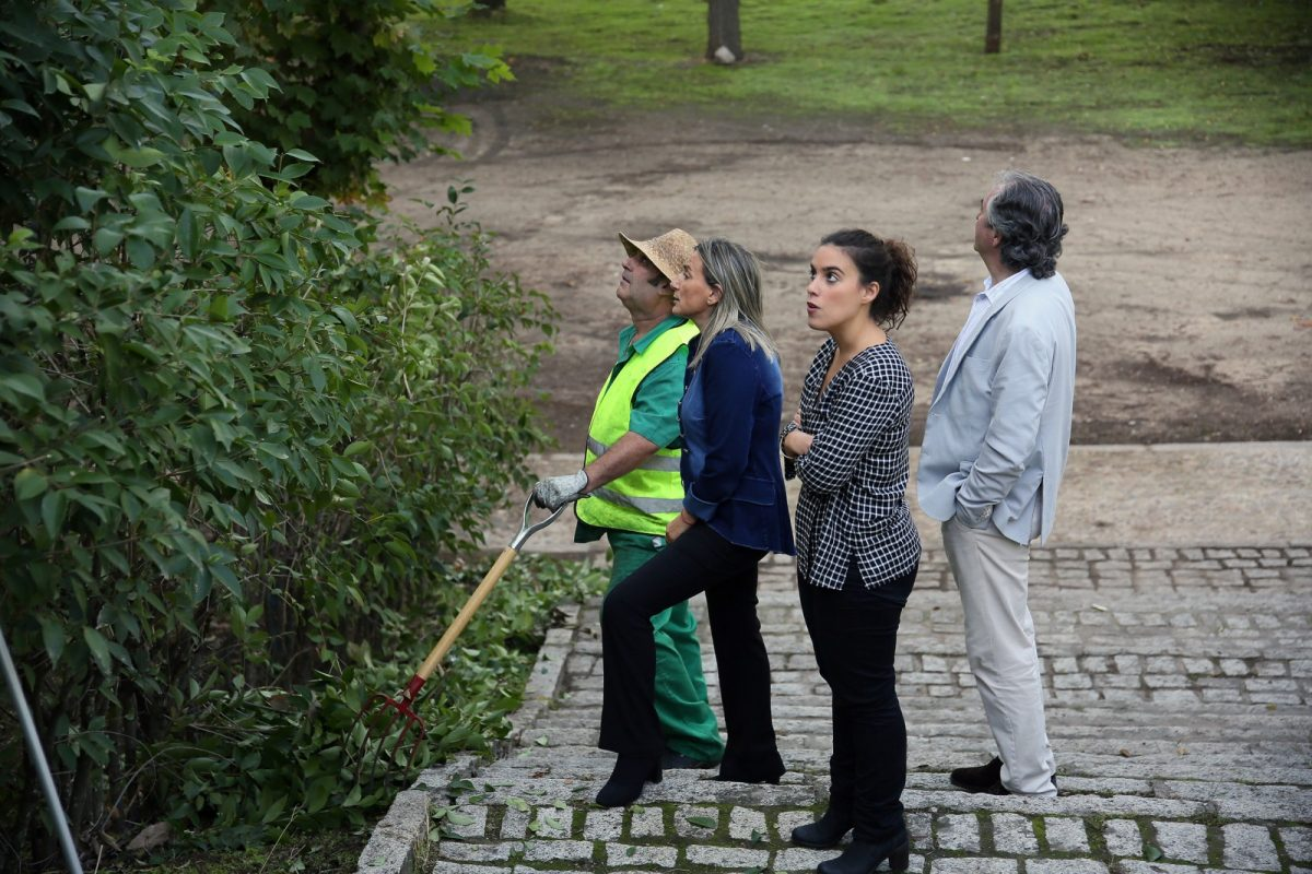Milagros Tolón visita a los trabajadores del Plan de Empleo que realizan tareas de limpieza y desbroce en la ribera del río Tajo