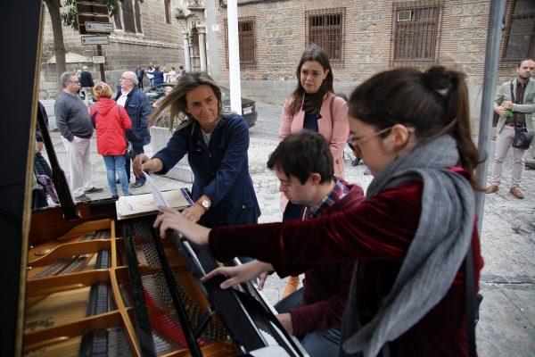 09_pianos_en_la_calle.