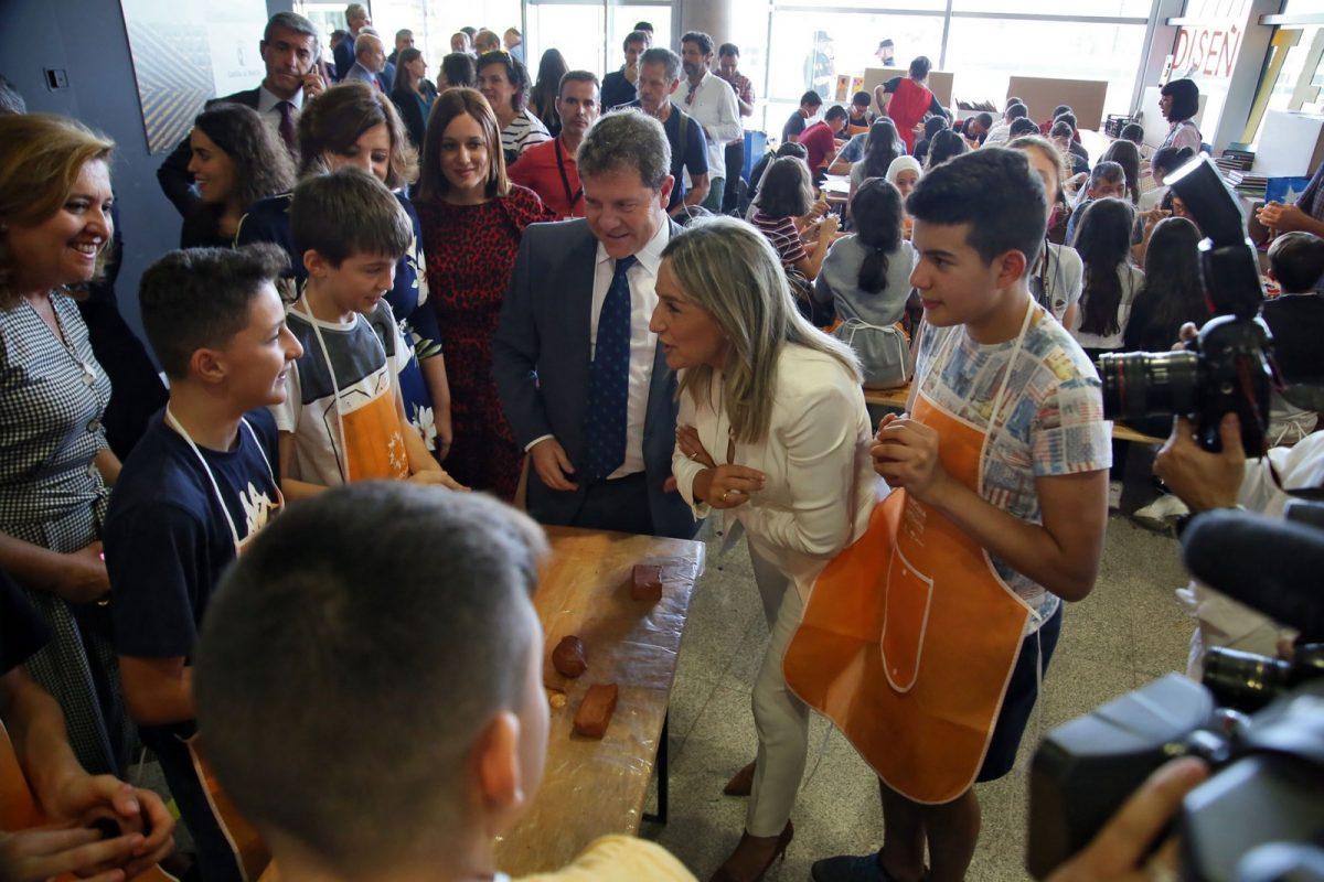 La alcaldesa anuncia un hermanamiento cultural con Burgos con motivo del VIII Centenario de la Catedral burgalesa