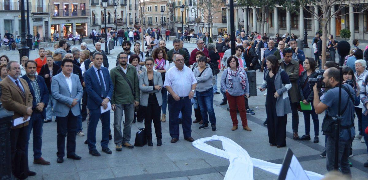 Concejales y concejalas de la Corporación municipal se unen a la VIII Rueda de Hombres contra la violencia machista en Zocodover