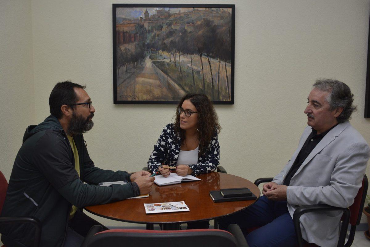 La Asociación de Vecinos 'La Cava' comparte con el Ayuntamiento sus demandas y actuaciones de cara al Plan Extraordinario de Empleo