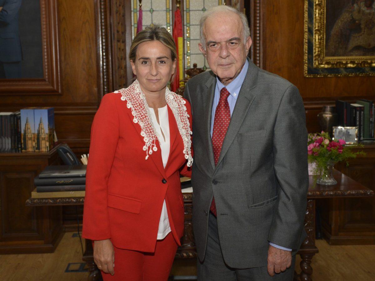 La alcaldesa recibe a una delegación de la ciudad hermanada de Heraklion para la puesta en marcha de iniciativas culturales
