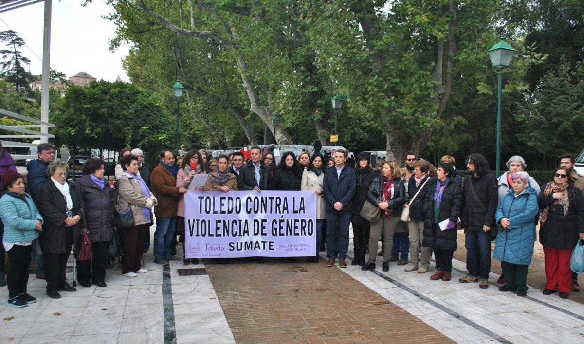 http://www.toledo.es/wp-content/uploads/2018/11/01-concentracion-violencia-genero-1200x707.jpg. El Consejo Local de la Mujer solicita protocolos de actuación y ayuda para los niños y niñas víctimas de la violencia de género