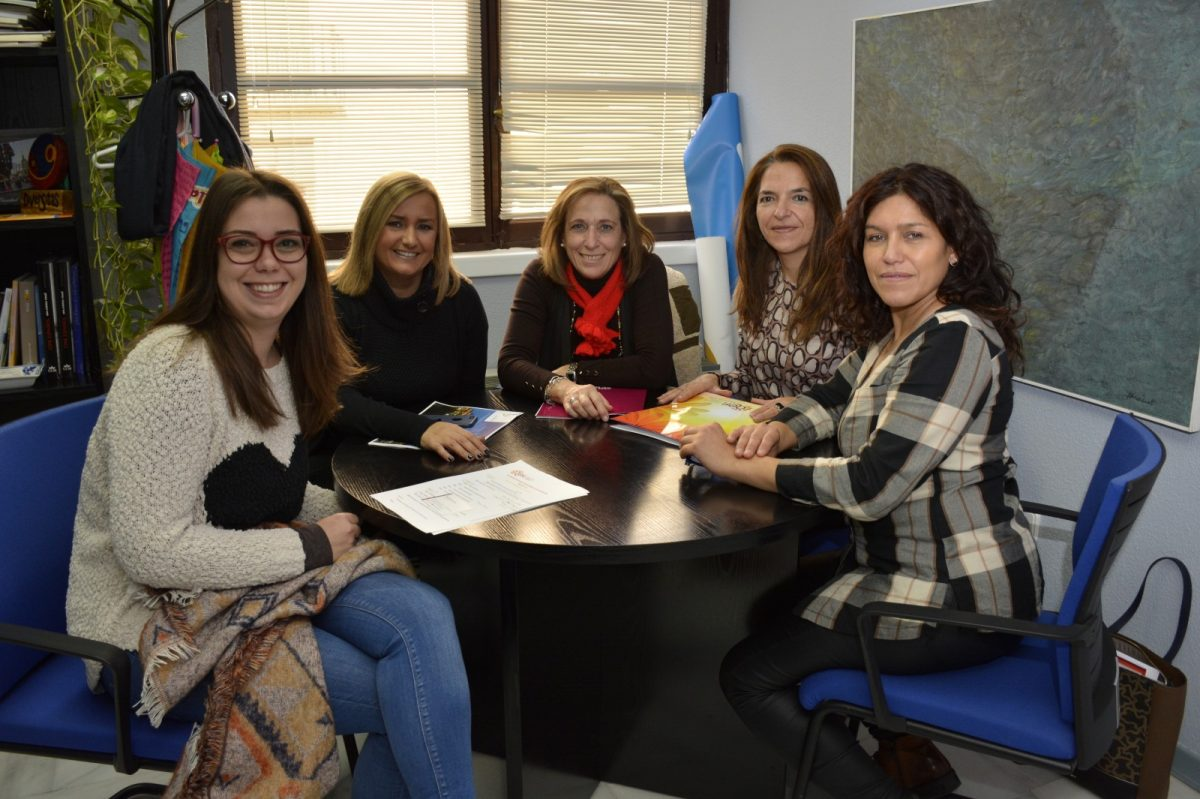 http://www.toledo.es/wp-content/uploads/2018/11/01-reunion_floristas-1200x799.jpg. El Gobierno local ofrece su colaboración a la Asociación de Floristas para el Congreso Nacional que celebrarán en 2019 en Toledo