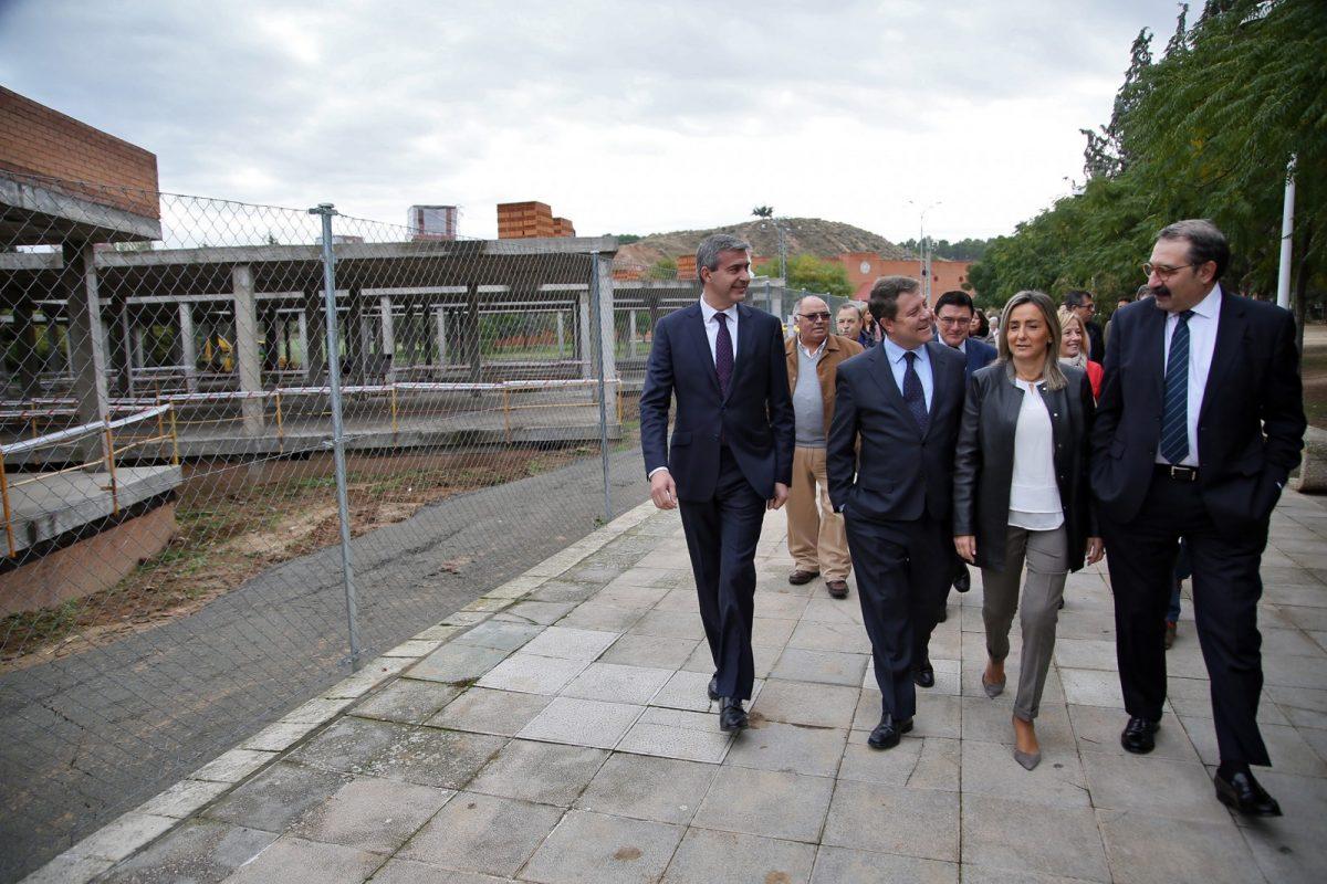 """La alcaldesa afirma que Toledo celebra """"otro día importante"""" con la reanudación de las obras del centro de salud de Santa Bárbara"""