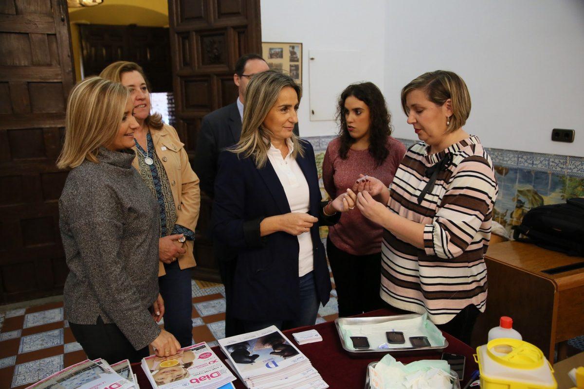 http://www.toledo.es/wp-content/uploads/2018/11/01_dia_diabetes-1200x800.jpg. La alcaldesa respalda la campaña de información y sensibilización de ADITO en el Día Mundial de la Diabetes