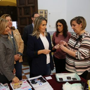 La alcaldesa respalda la campaña de información y sensibilización de ADITO en el Día Mundial de la Diabetes