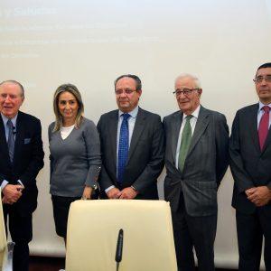 La alcaldesa comparte con el Colegio de Economistas los indicadores socioeconómicos que reflejan el progreso de la ciudad