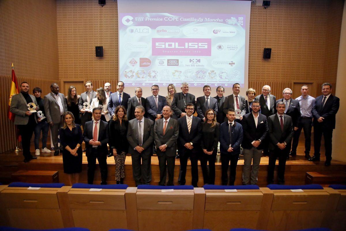 La alcaldesa asiste a la gala de los Premios COPE Castilla-La Mancha que distingue a personas y entidades de la región
