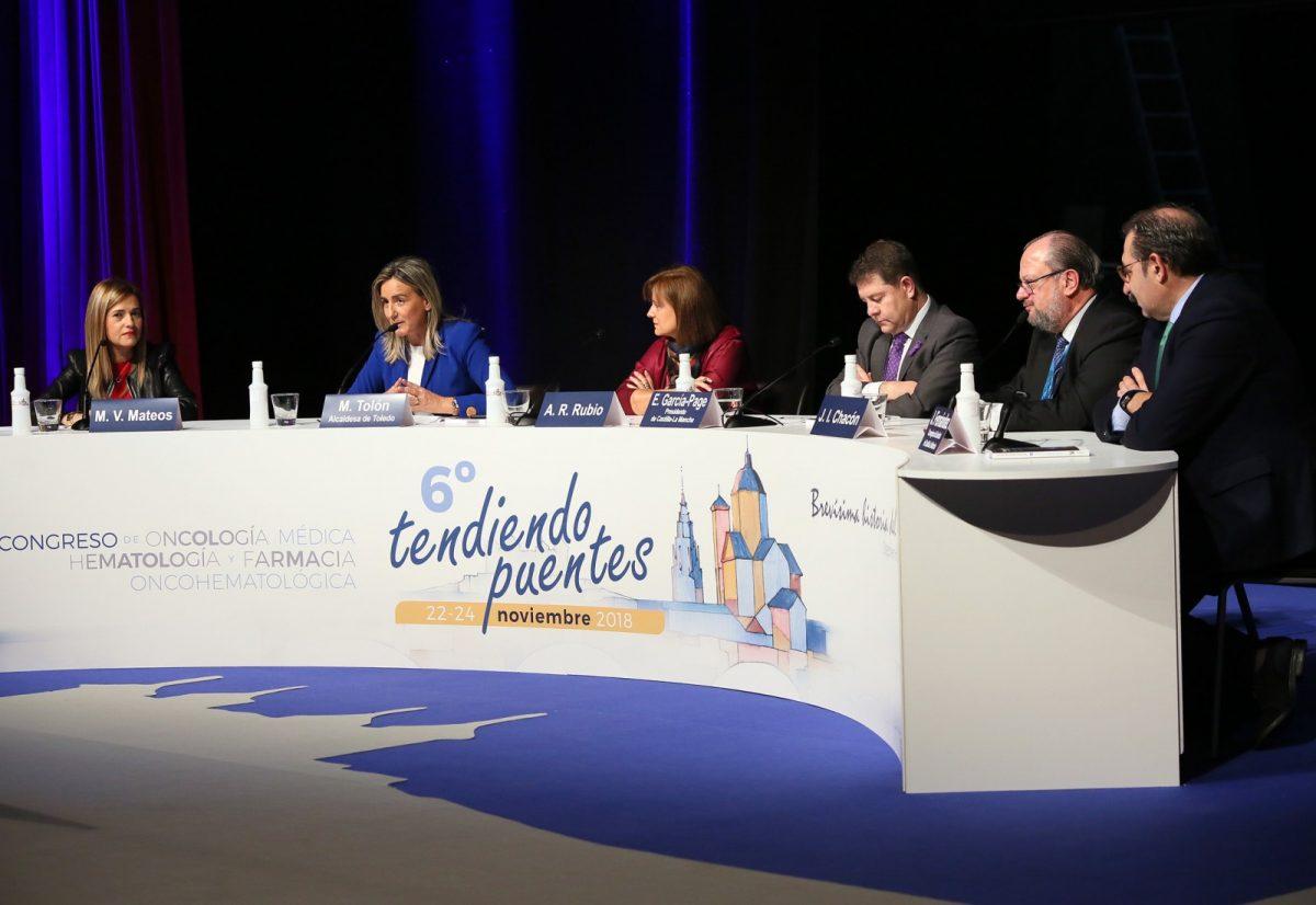http://www.toledo.es/wp-content/uploads/2018/11/06_congreso_oncologia-1200x826.jpg. La alcaldesa destaca la imagen de Toledo como referente en el ámbito científico, académico y de la investigación
