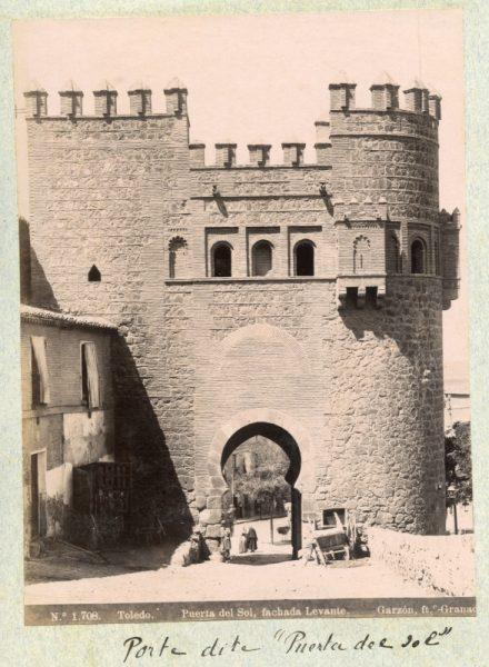1708 - Toledo. Puerta del Sol, fachada Levante