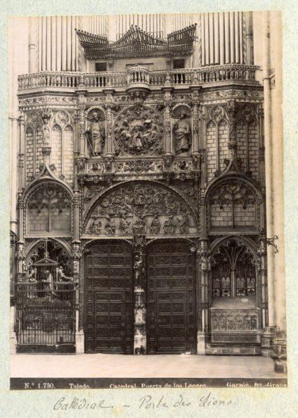 1730 - Toledo. Catedral_ Puerta de los Leones