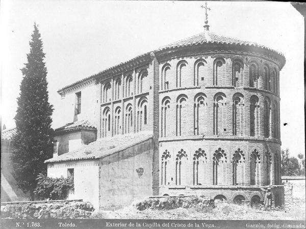 1763 - Toledo. Exterior de la Capilla del Cristo de la Vega - Foto del Archivo Municipal de Córdoba