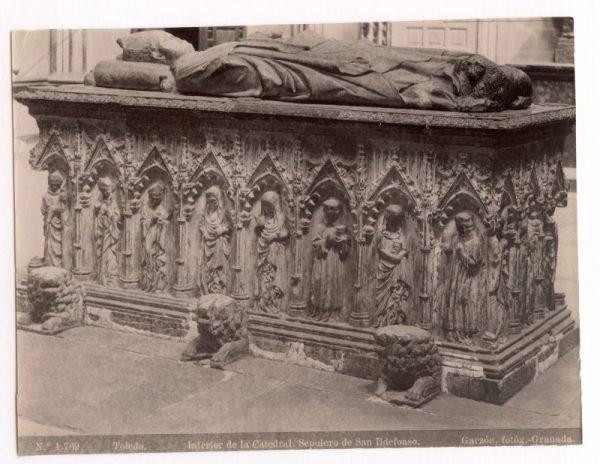 1769 - Toledo. Interior de la Catedral. Sepulcro de San Ildefonso