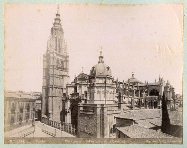 1774 - Toledo. Vista general del exterior de la Catedral