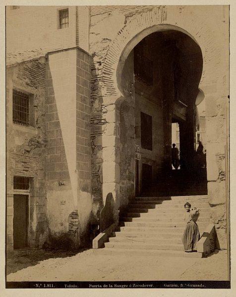 1811 - Toledo. Puerta de la Sangre o Zocodover - Foto de la Biblioteca Nacional
