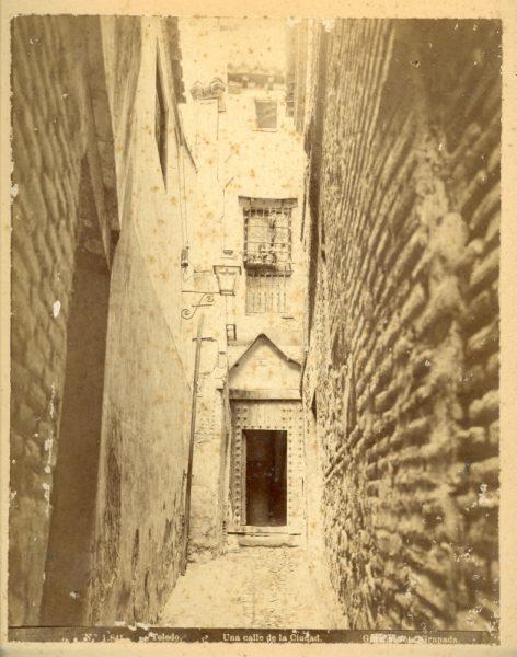 1841 - Toledo. Una calle de la ciudad [Callejón de la Soledad]
