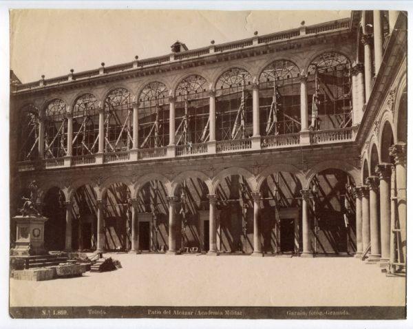 1859 - Toledo. Patio del Alcázar (Academia Militar)