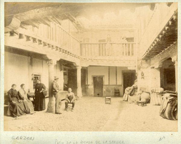 1865 - Toledo. Patio de la Posada de la Sangre