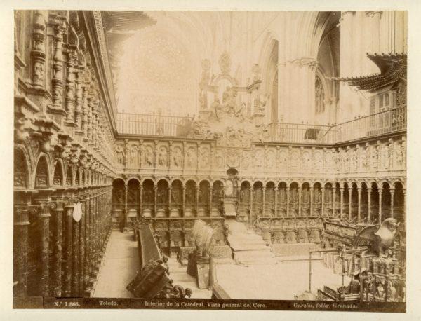1866 - Toledo. Interior de la Catedral. Vista general del Coro