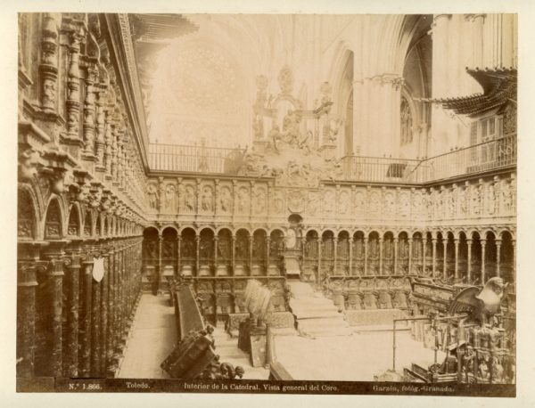 1866 - Toledo. Interior de la Catedral. Vista general del Coro