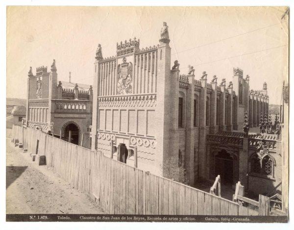 1879 - Toledo. Claustro de San Juan de los Reyes. Escuela de artes y oficios